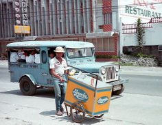 Magnolia Ice Cream Vendor along McArthur Highway, Angeles City, Philippines. Philippines Culture, Manila Philippines, Subic Bay, Filipino Art, Kitsch Decor, Philippine Art, Jeepney, Old Street, Vintage Pictures