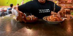Restaurantes no ven con buenos ojos aumentar salario a meseros...