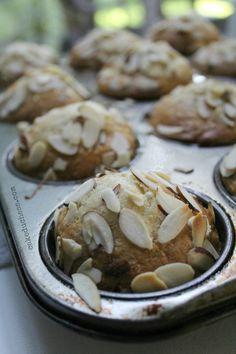 Banana Mango Flaxseed Muffins - cakeduchess.com