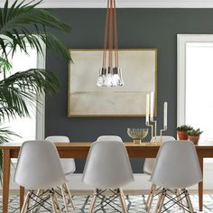A dining room decor to make your guests feel envy! Grab the best dining room decor ideas to make your dining room design be the best when it comes to modern dining rooms designs. A best of when it comes to interior design ideas. Mid Century Modern Living Room, Mid Century Dining, Mid Century Modern Design, Living Room Modern, Mid Century Modern Rugs, Mid Century Modern Kitchen, Kitchen Modern, Minimalist Kitchen, Minimalist Interior