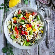 Vegetarian recipe for a juicy, delicious Pasta Salad Ingredients 450g Pasta: farfalle, macaroni, rigatoni, etc. 1/2 English Cucumber diced 2 Bell Peppers diced 1/4-1/2 Red Onion diced 1 cup Black […]
