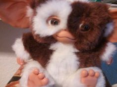 Anyone have one of these in the 80s?  I <3'd my Gizmo!