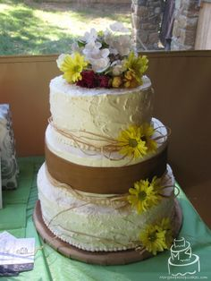 Country Wedding Cakes | The cake was layers of dark chocolate cake with alternating tiers of ...
