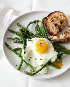 Egg, asparagus and toasts