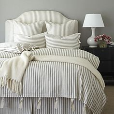 Vintage Bedroom Ticking Stripe Duvet Cover - When we found our vintage Ticking Stripe fabric, we knew it belonged in the bedroom. The navy duvet is hand-finished in cotton. Navy Duvet, Striped Bedding, Ticking Stripe, Blue Bedding, Muebles Shabby Chic, French Country Bedrooms, Luxury Bedding Sets, Modern Bedding, Modern Bedroom