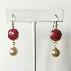 Beautiful classic combo.  Rubies and pearls!