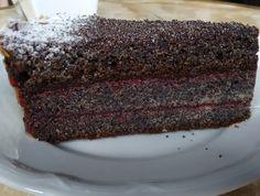 Elkészítése és a hozzávalók is igen egyszerűek! Mégis nagyon finom sütemény kerekedik belőle...