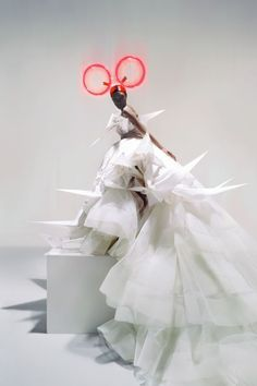 "the-moustached-king: "" 'Unbelievable Fashion', Jourdan Dunn by Nick Knight, Vogue UK December Christian Dior Spring Summer 2007 Haute Couture "" Vogue Uk, Vogue Photo, Vogue Japan, Pop Design, Graphic Design, Weird Fashion, Fashion Art, Fashion Design, Fashion Portraits"