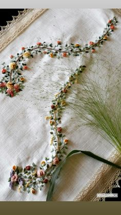 """T"" embroidery! Brazilian Embroidery Stitches, Embroidery Stitches Tutorial, Embroidery Kits, Hand Embroidery Patterns, Ribbon Embroidery, Machine Embroidery, Hardanger Embroidery, Cross Stitch Embroidery, Textiles"