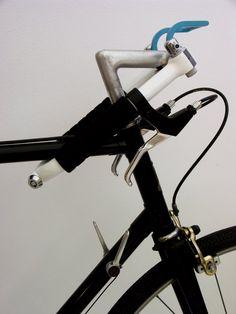 Joe Wentworth // Folding Handlebars Bike Lock