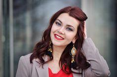 Beige blazer, red dress, luxury earings