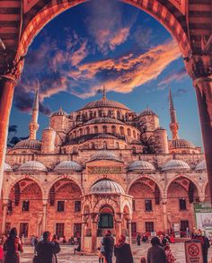 Top 10 Best Places to Visit in Turkey - Tour To Planet Beautiful Mosques, Beautiful Buildings, Cool Places To Visit, Places To Travel, Mosque Architecture, Underground Cities, Hagia Sophia, City Landscape, Turkey Travel