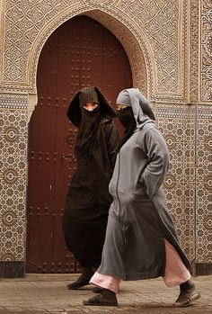 Dressed for a walk . Marrakech  - Maroc Désert Expérience http://www.marocdesertexperience.com