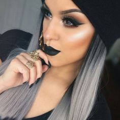 Tips de maquillaje para chicas con cabello gris