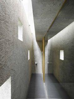 Wespi de Meuron Romeo architects, Hannes Henz · New house in Ranzo. Contemporary Architecture, Architecture Details, Interior Architecture, House Window Design, House Design, Skylight Window, Corridor Lighting, Minimalist Home Decor, Minimalist House