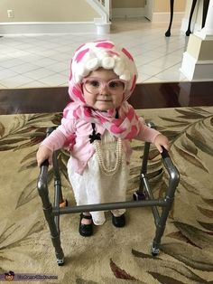 Baby Halloween costumes are everyones favourite. Here are the best Halloween Costumes for Little babies ideas for you so that you have the best halloween. Baby Grandma Costume, Grandma Halloween Costume, Baby Old Lady Costume, Cute Little Baby, Baby Kind, Little Babies, Cute Funny Babies, Funny Kids, Cute Kids