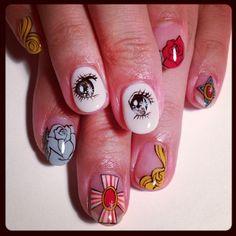 The rose of Versailles art nails <3 simppelisti nerokasta