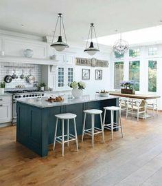 Modern Kitchen Island, Kitchen Island With Seating, Open Plan Kitchen, Kitchen Layout, Kitchen Colors, New Kitchen, Kitchen Islands, Green Kitchen, Kitchen White
