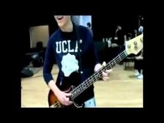 Niall Horan playing Stand By Me on bass how he gets so excited at the end for being able to do it. :)