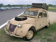 2 CV......PARTAGE DE 2 CV.......SUR FACEBOOK....... 4x4, Vintage Cars, Antique Cars, 2cv Sahara, Psa Peugeot Citroen, Automobile, 2cv6, French Lifestyle, Bentley Car