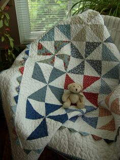 love this pinwheel quilt! Every pinwheel square is different fabric... would be so easy to make from coordinating scraps!