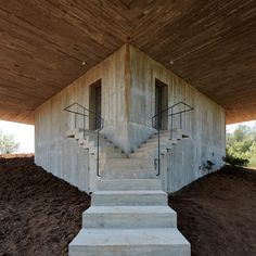 Some parallels between Valerio Olgiati's National Park Center in Zernez and Pezo Von Ellrichshausen's Solo House in Teruel Photos © Javier Miguel Verme, Cristobal Palma. Cabinet D Architecture, Concrete Architecture, Gothic Architecture, Amazing Architecture, Contemporary Architecture, Architecture Details, Interior Architecture, Interior And Exterior, Staircase Architecture