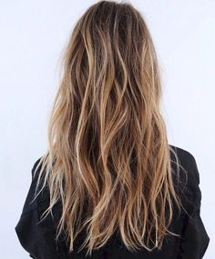 beach hair Hair Color Ombre Natural Hairstyles 37 Ideas For 2019 Blonde Hair With Highlights, Brown Blonde Hair, Brunette Hair, Blonde Bobs, Brown Beach Hair, Short Beach Hair, Beachy Blonde Hair, Blonde Braids, Beachy Waves Long Hair