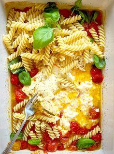 Tomato Pasta Bake, Cherry Tomato Pasta, Feta Pasta, Cherry Tomatoes, Cherry Tomato Recipes, Tomato Vegetable, Vegetable Recipes, Pasta Recipes, Cooking Recipes