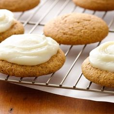 Super-easy pumpkin cookies with only 5 ingredients!