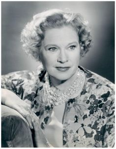 Esther RALSTON '28-30-62 (17 Septembre 1902 - 14 Janvier 1994. Was an American movie actress whose greatest popularity came during the silent era.Esther Ralston died in Ventura, California on January 14, 1994 of a heart attack.  She was honored with a star on the Hollywood Walk of Fame (6664 Hollywood Boulevard) for her popular work in motion pictures.
