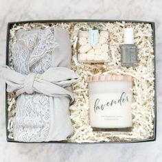 20 Creative Ways to Propose to Your Bridesmaids - spa box. #bridesmaids #willyoubemybridesmaid
