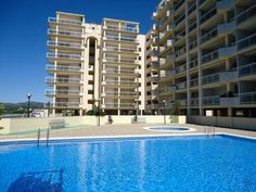 Caleta II Pe��scola Situated in Pe??scola, Caleta II is an apartment featuring a seasonal outdoor pool. The unit is 2.4 km from Pe?iscola Castle. Private parking is available on site.  There is a seating area and a kitchenette complete with an oven and a microwave.