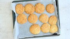 Pääsiäiseenkin sopivat ihanat Kinder Cookiesit on helppo ja nopea valmistaa. Hanki kaupasta Kinder-maitosuklaakonvehteja ja paloittele taikinan joukkoon. Nam! Kids