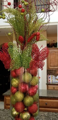 Ideas for diy christmas table centerpieces navidad Christmas Vases, Christmas Candle Decorations, Noel Christmas, Rustic Christmas, Christmas Projects, Simple Christmas, Christmas Wreaths, Advent Wreaths, Nordic Christmas