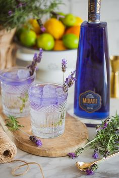 Mirari Blue Gin and Indian Tonic. See the colour change in reverse! Fill a glass up to the top with ice cubes. Top with a premium Indian Tonic Water. Garnish with lavender. Tonic Water, Gin And Tonic, Gin Garnish, Blue Gin, Ice Cubes, Distillery, Color Change, Barware, Fill