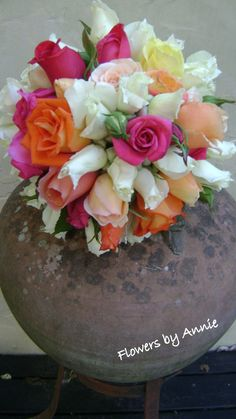 What a beautiful rose bouquet.