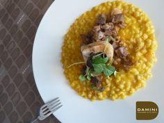 Orzotto con spezzato di ossobuchi alla zucca. La nostra ricetta su www.daminieaffini.com #damini #zucca #ricettedizucca #ossobuchi
