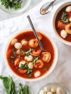 Roasted Garlic Tomato Basil Tortellini Soup