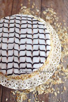 Tort Esterhazy Hungarian Cake, German Cake, Holiday Appetizers, Holiday Recipes, Esterhazy Torte, Christmas Eve, Food Videos, Pie, Sweets