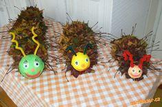 podzimní tvoření s malými dětmi - Hledat Googlem Diy And Crafts, Crafts For Kids, Arts And Crafts, Autumn Activities For Kids, Autumn Crafts, Art For Kids, Barn, Christmas Ornaments, Halloween