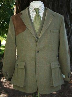 299ad7d042c8c The Bookster Original Tweed Shooting Jacket maintains all the essential  needs with style;