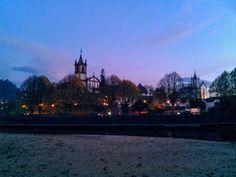 Boa noite :D Aquele momento em que cai a noite na praia da Valeta em Arcos de #Valdevez - http://ift.tt/1MZR1pw -