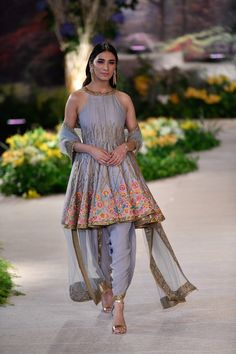 From Concept Sarees to Perky Lehengas: Our Favorites from India Couture Week 2018 Pakistani Bridal Couture, Indian Couture, Pakistani Dress Design, Pakistani Outfits, Dress Indian Style, Indian Dresses, Indian Wedding Outfits, Indian Outfits, Emo Outfits