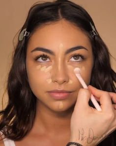 natural makeup for brown eyes ; natural makeup for black women ; natural makeup looks ; natural makeup for blue eyes ; natural makeup for blondes Natural Makeup For Brown Eyes, Makeup For Green Eyes, Natural Makeup Looks, Indian Makeup Natural, Natural Makeup For Prom, Natural Glow Makeup, Natural Makeup Brands, Makeup Looks Tutorial, Makeup Tutorial For Beginners