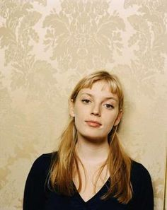 Sarah Polley- Road to Avonlea Sarah Polley, Road To Avonlea, Movies Worth Watching, Female Stars, Film Serie, Film Director, Mug Shots, Famous Faces, Celebrity Crush