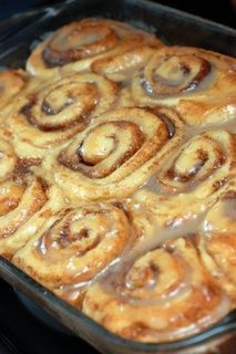 Absolutely Sinful Cinnamon Rolls: Ingredients: Dough: 2 cups whole milk ½ cup vegetable oil ½ cup sugar 1 pkg active dry yeast 4 ½ cups flour ½ tsp. baking soda ½ t Breakfast Dishes, Breakfast Recipes, Dessert Recipes, Breakfast Pizza, Breakfast Casserole, Pioneer Woman Cinnamon Rolls, Yeast Rolls Recipe Pioneer Woman, Overnight Cinnamon Rolls, Homemade Cinnamon Rolls