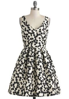 Oh my....This dress is PERFECT for wedding season!  Bubble Your Luck Dress, #ModCloth