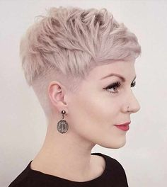 Blonde Feathered Pixie With Undercut hair lacio 60 Cute Short Pixie Haircuts – Femininity and Practicality Hairstyles Haircuts, Cool Hairstyles, Ladies Hairstyles, Short Undercut Hairstyles, Hairstyle Ideas, Short Pixie Hairstyles, Undercut Women, Bangs Hairstyle, Black Hairstyle