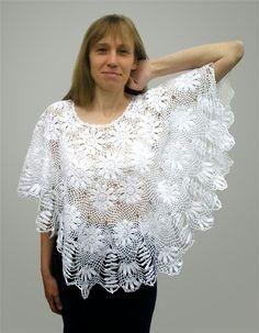 Discover thousands of images about Poncho forma abanico noches de verano - Patrones Crochet Crochet Cardigan Pattern, Crochet Blouse, Crochet Shawl, Crochet Lace, Crochet Stitches, Crochet Patterns, Crochet Gratis, Crochet Motif, Cotton Crochet