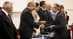 Arturo Escajadillo Villanueva, egresado de la licenciatura en Comunicación sabatina de la Universidad Americana de Morelos (UAM), fue galardonado el pasado mes de junio por el Centro Nacional para la Evaluación de la Educación Superior (Ceneval).